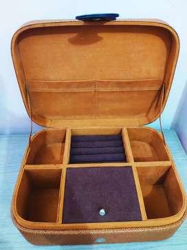 Box Kayu- Tempat perhiasan/ aksesori (kondisi BARU)