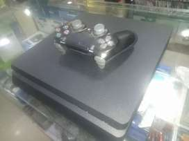 Ps4 500 GB hard slim game available