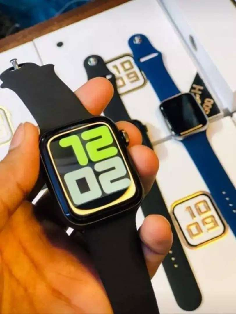 T500 apple watch for men box pack new in white and black colour 0