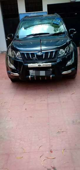 I WANT TO SELL MY XUV500 W10