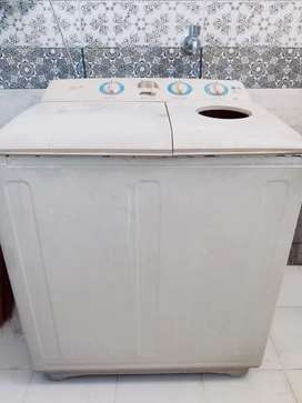 Good condition washing machine on sell