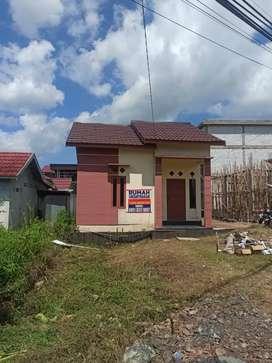 Disewakan rumah tipe 42 terletak dipinggir jalan utama Hikmah Banua