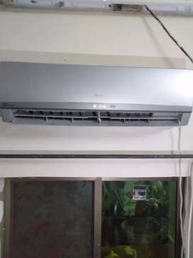 Gree DC inverter G10 1 Ton For Sale in Good Condition