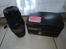 Lensa tele macro Sigma 70-300mm f/4-5.6 untuk canon EF