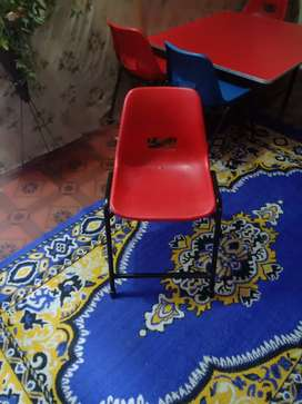 4 chair with table