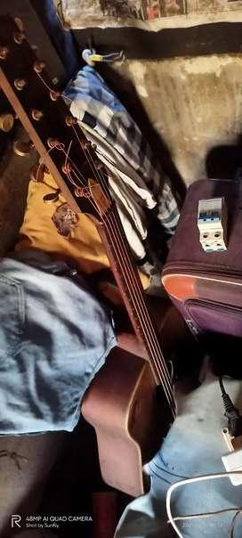Givson Jumbo Size Guitar 12 Strings
