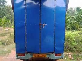 Mahindra supro mini truck