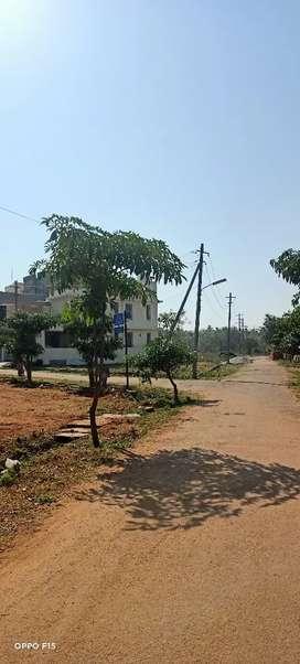 30.40 site sale dvaraka Nagar near University layout srirampura