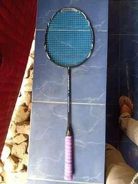 Raket gosend dan sepatu badminton yonex borongan murah