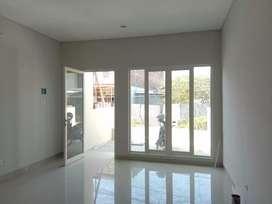 Rumah 2 Lantai Bisa Untuk Usaha, Akses Jalan Raya Medokan