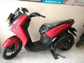 Yamaha Lexi merah doff