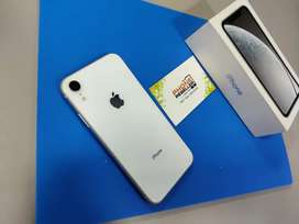 iPhone xr 64GB clean condition