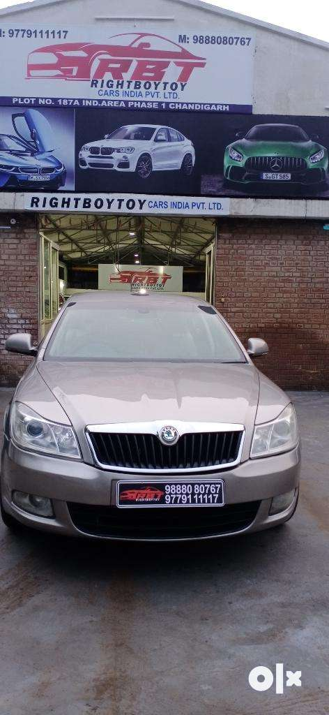 Skoda Laura Ambiente 2.0 TDI CR Manual, 2011, Diesel