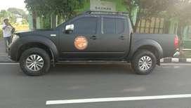 Dijual Cepat Nissan Navara Sports Version Automatic 2013 Hitam Mantep