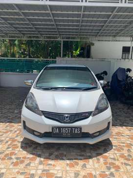 honda jazz RS ge8 1,5 AT putih istimewa