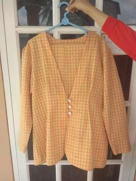 Blazer vintage warna orange