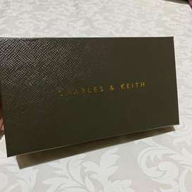 Dompet CHARLES AND KEITH GOLD PLATE ORI