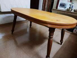 wodden dinning table with chair