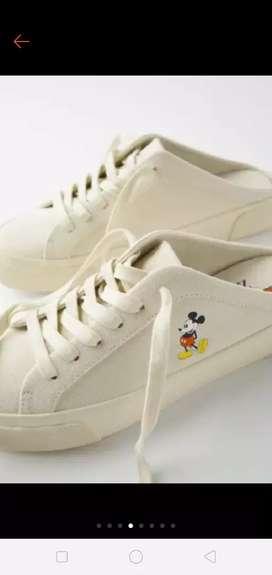 Sepatu sandal Zara Mickey ,,
