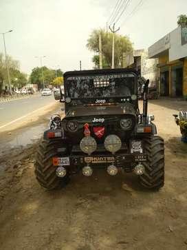 Mahindera black jeep