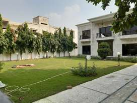 2 KANAL HOUSE FOR SALE IN Z BLOCK PHASE 3 DHA LAHORE