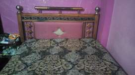 Bed and metress