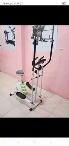 Sepeda statis eliptikal