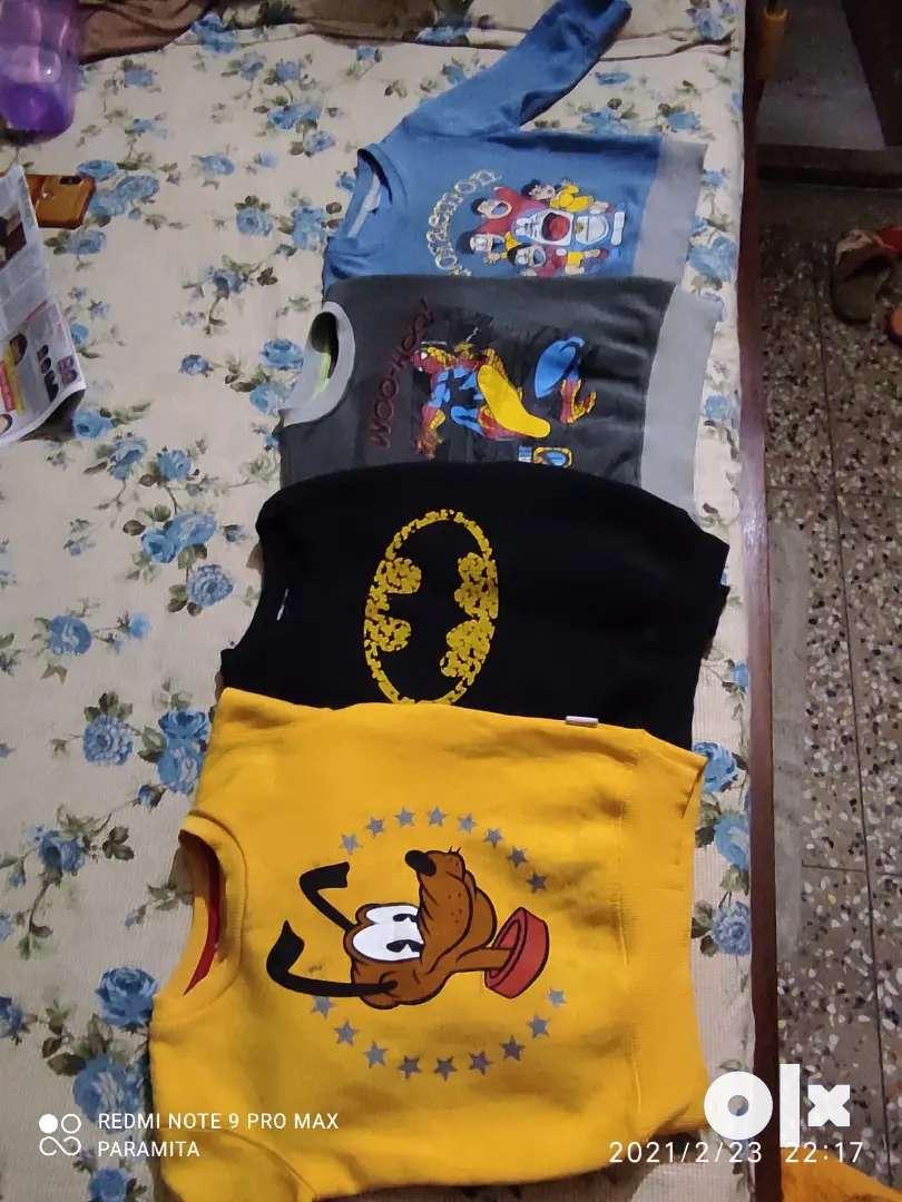 Sweat T shirts 0