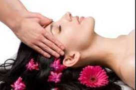 need female staff work in spa therapist
