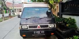 Mitsubishi L-300 Box Hitam KM 24.800 Tahun 2010