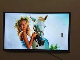 """Brand Sony New 32"""" smart full HD LED TV"""