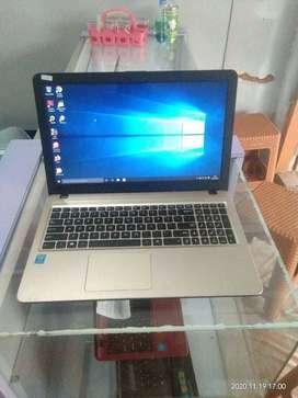 Laptop Asus X540L | INTEL CORE i3  – 4005U | RAM 4 GB | HDD 500 GB
