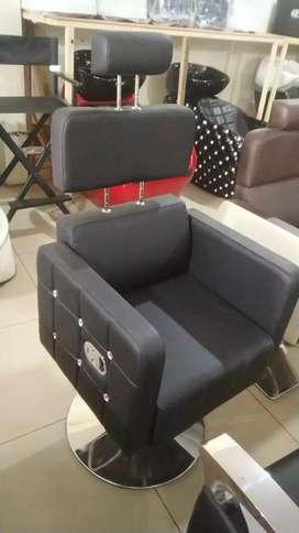 Saloon chair ,shampoo chair and beauty parlour chair manufacturer