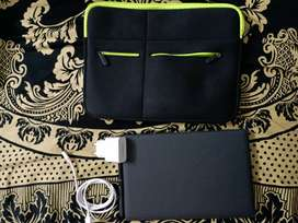 Samsung galaxy tab S4 with S pen & key board + Cary pouch