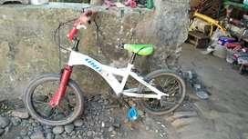 Sepeda bmx ukuran 16