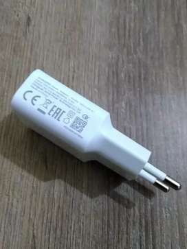 Xiaomi MI Original 2.5 A Fast Charger and Data Cable