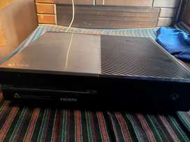 Xbox one good condition with 4-5 games