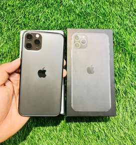 iPhone 11 pro - 64 GB - Gray color - 4 month apple warranty- like new
