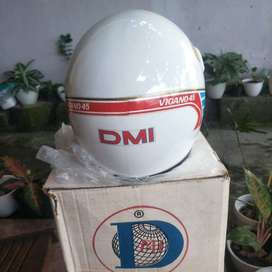 Helm vigano putih new old stock (NOS)