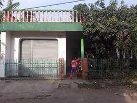 Rumah di jalur stasiun KA wanaraja