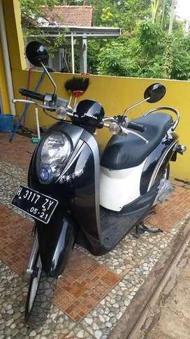 Honda Scoopy 2011 hitam