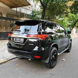 KM 53RB. Toyota Fortuner VRZ Turbo DiESEL 2016 Black