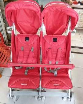 Stroller kembar twin trevi babyelle