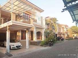 rumah mewah dalam perumahan elit samping ambarukmo plasa istimewa