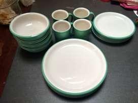 Dinner set / Dinnerware merk Crown Corning