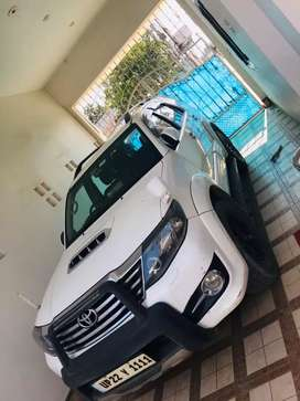 Automatic 4×4 imported lights fortuner car