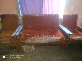 To sell my old saagwan sofa