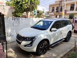 Xuv 500 W11 second top model brand new condition.