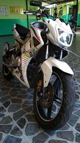 Jual cepat motor Yamaha Vixìon 2015