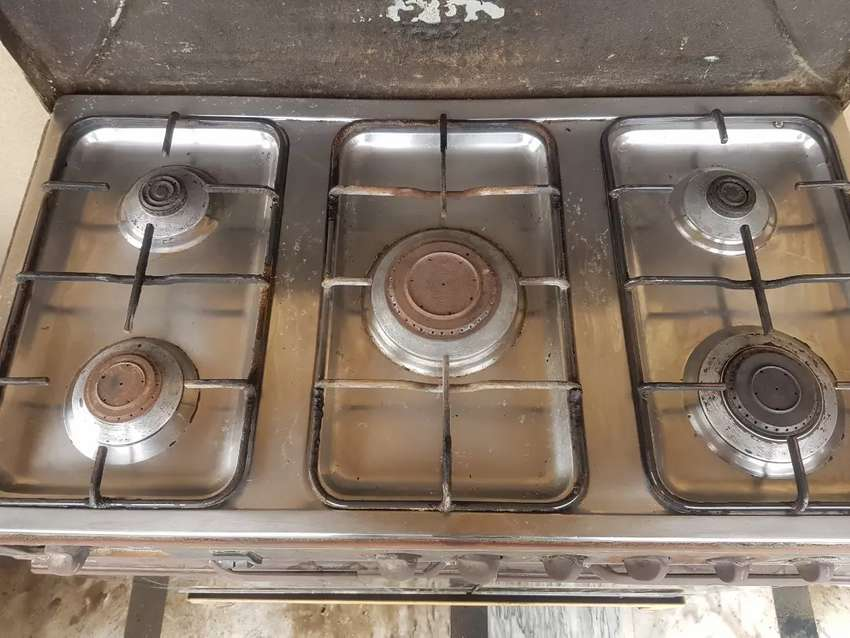 Stovel with oven